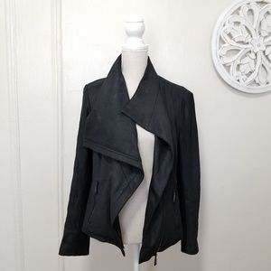 Tahari size M lamb leather jacket